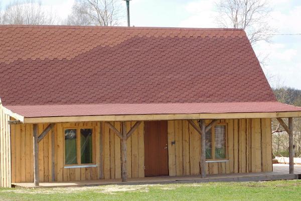 Kassiaru puhkemaja väike maja