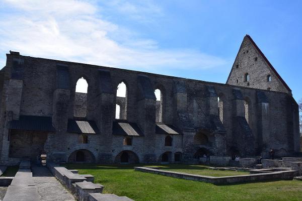 Pirita kloostri varemed