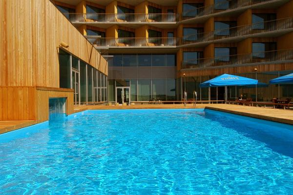 Bastur och pooler på Georg Ots Spa Hotell