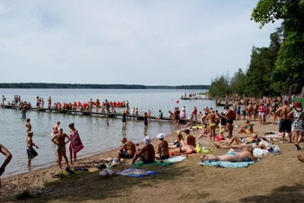 Karujerves ezers un pludmale