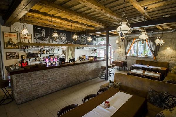 Pritsumaja Grill & Bar (dt. Spritzenhaus)