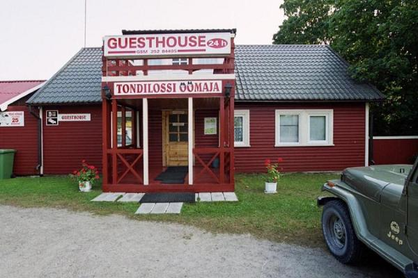 Tondilossi Guesthouse