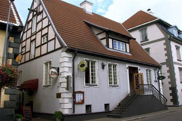 Alex Maja Karaoke Pub