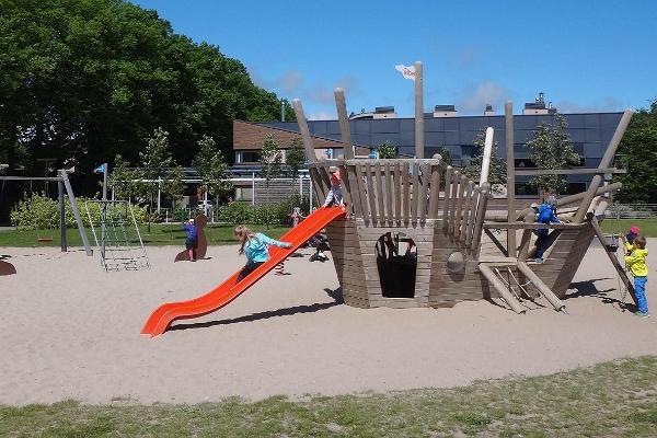 Vallikääru mänguväljak Pärnus