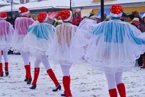 Russischer Jahrmarkt in der Altstadt von Haapsalu