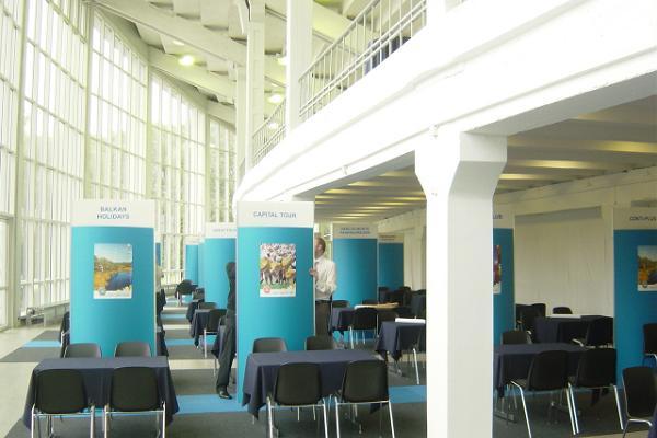 Tallinas Dziesmu svētku laukuma konferenču centrs