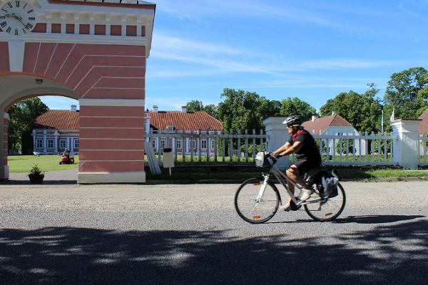 Self-guided bicycle tour