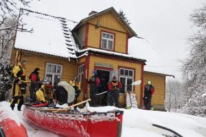 Flood at Soomaa – the local life, a hike, and a smoke sauna at Karuskose