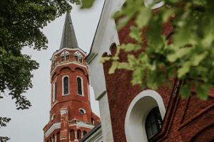 Halliste Heilige Anna Kirche (Püha Anna kirik)