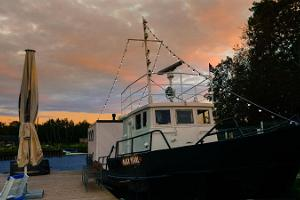 Ship sauna Black Pearl in Purtse