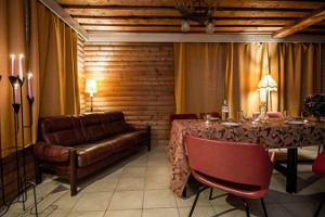 Buena Vista Sofa Club