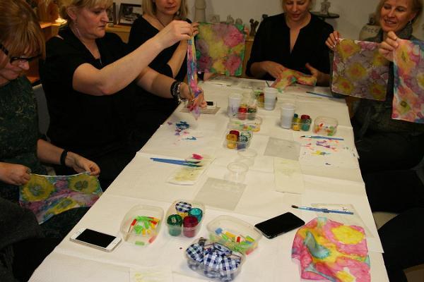 Örrekese workshops. Sidenmålning.