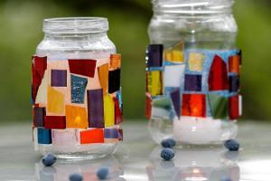 Örreke workshops. Making mosaic.
