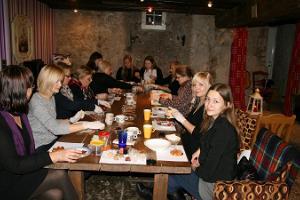 Workshops von Örrekese. Zubereitung von Marzipan-Trüffeln