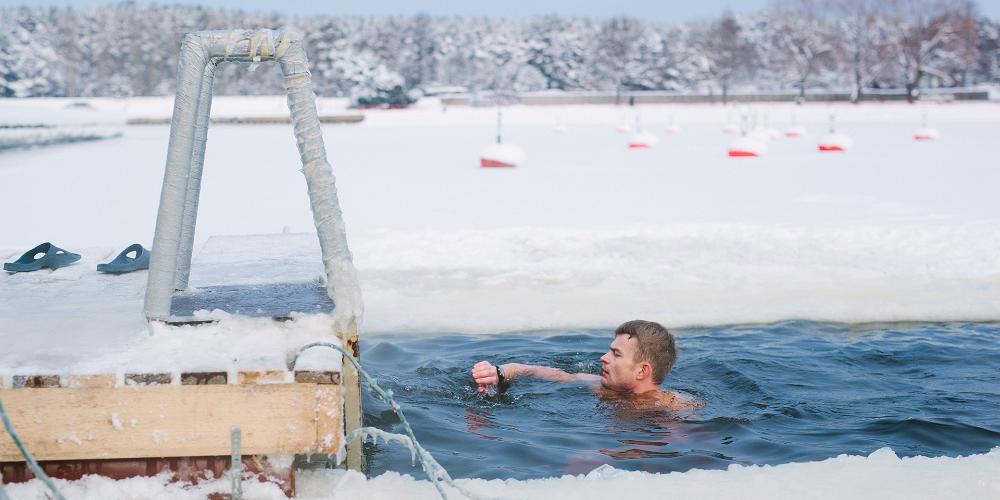Vintersimning – en estnisk tradition och vitamininjektion á la Estland