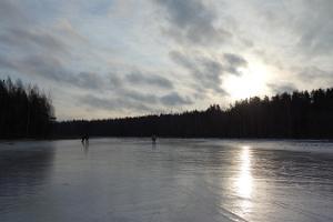 Pilkintäretki Viitnan järvellä Tallinnasta