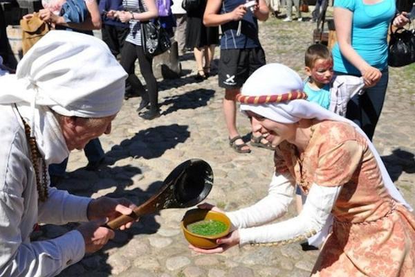 Hoidistefestival Suvi Purki Narva linnuse Põhjaõues