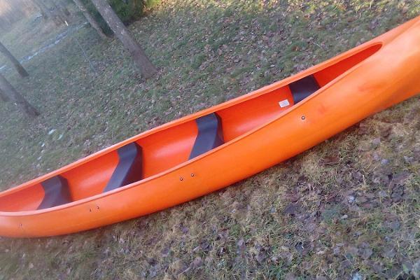 Kanuu.ee kanoottiretki perheelle 4 hengen turvallisella kanootilla Audrun joella