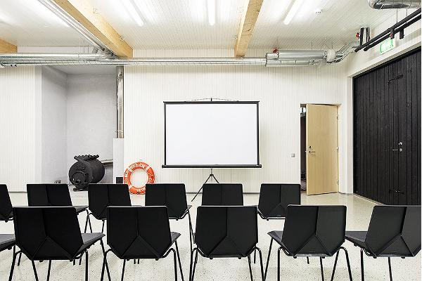 Eisma sadama seminariruumid