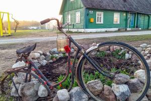 Övernattning i Peipsiääre samhälle i gammaltroendes typiska bostad