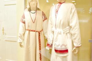 Тур с гидом приходского музея Ийзаку «Народные костюмы и народные игры в истории эстонской культуры»