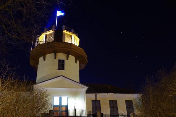 Tartuer Sternwarte nachts