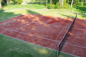 Теннисный корт в деревне отдыха Pidula Forell