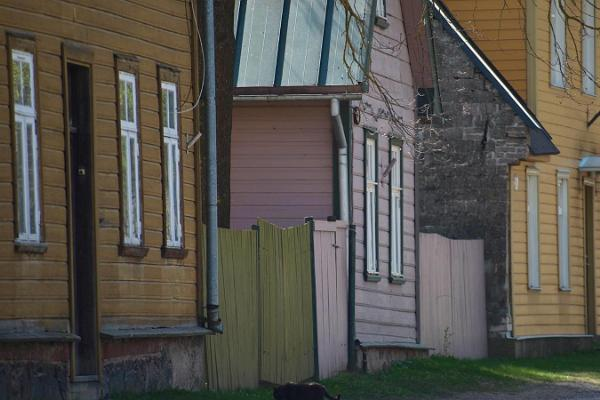 Supilinn – a district of wooden buildings with a wonderful milieu, old colourful houses next to each other