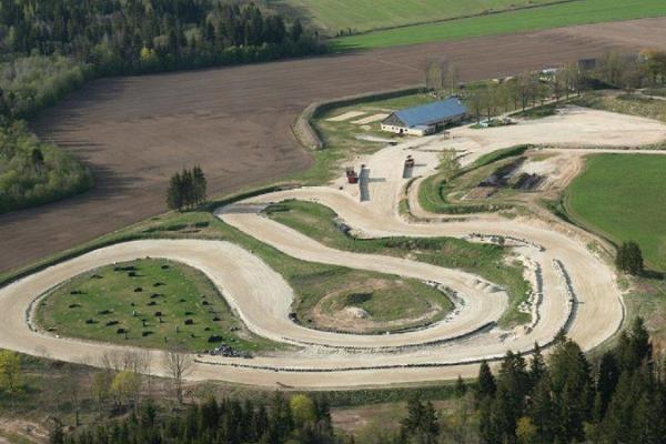 Piiroja rallycross course