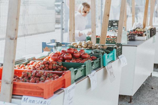 Värske kraam otse turult – põnevad kohaliku toidu laadad ja taluturud