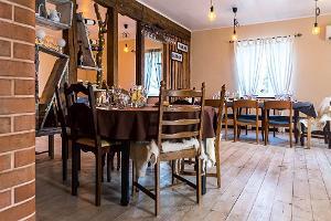 Das Restaurant des Gastronomiehofs Ööbiku