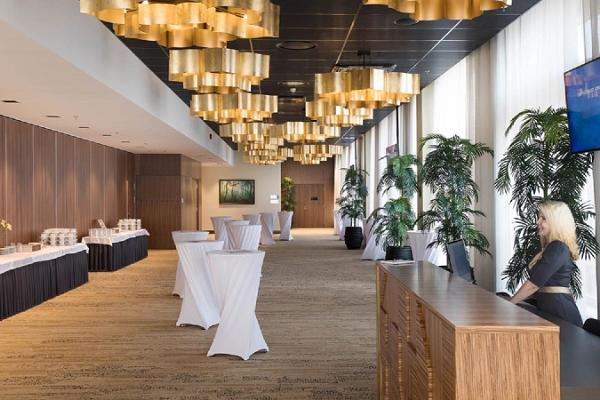 V spa un konferenču viesnīcas konferenču centrs