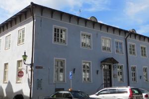 Das Gebäude des Konsortiums der Estnischen evangelisch-lutherischen Kirche (EELK) bzw. das Bischofshaus und die Kapelle