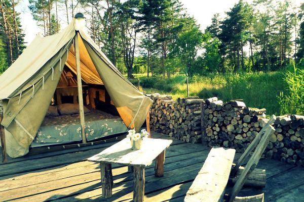 Torni Talu Puhkemajad, Rannaäärne grilli- ja telkimisala