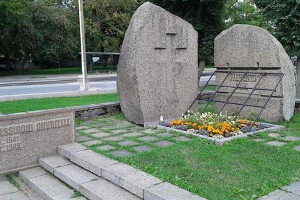 Memento Mori Memorial
