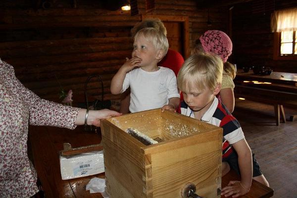 """K.R. Jakobsona Lauku māju-muzeja programma """"Ziemassvētki lauku mājās"""""""