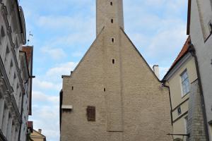 Raekoja torn ja Vana Toomas