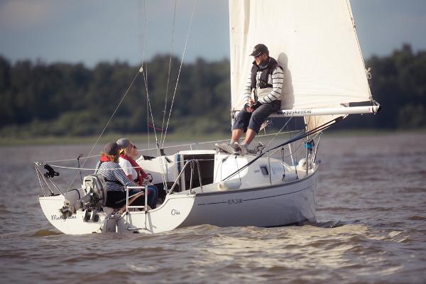 Sailboat rental on Lake Võrtsjärv