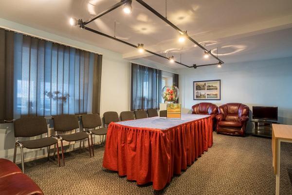 Комната для семинаров на Päeva Villa