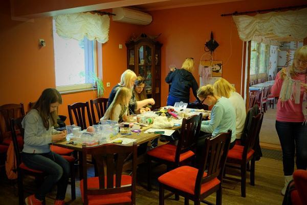 Handmade card workshop in Kallaste Farm