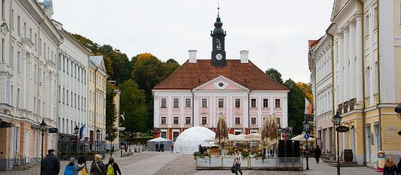 Tartu Town Hall Square, visit Estonia