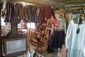 Hantverks workshops i Ruhnu Kultuuriait (Rynös Kulturladugård)