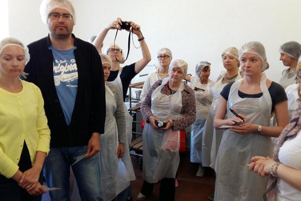 Giidiga muuseumituur Eesti Piimandusmuuseumis