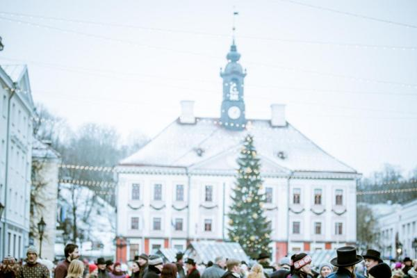 Wintry Tartu Folk Dance Day