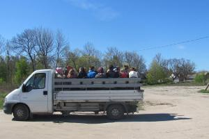 Puhka Kihnus offers: a guided tour of Kihnu Island in a truck car
