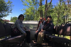 Puhka Kihnus (dt. Urlaub auf Kihnu) bietet an: Tour mit dem Pick-up und Führer auf der Insel Kihnu