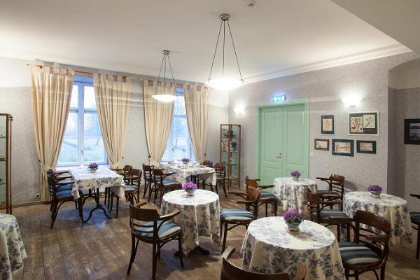 Restaurant auf dem Gutshof Loona (dt. Kadvel)