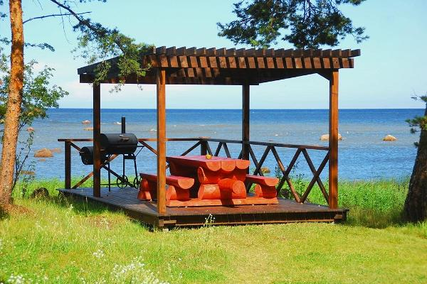 Karineeme Holiday House