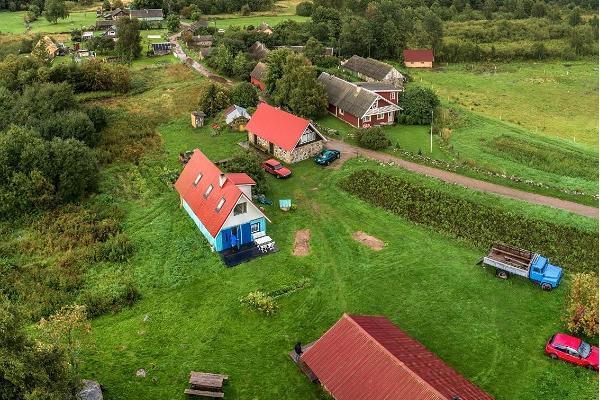 Visit Praaga farm on Prangli island with your family