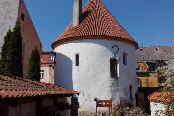 Punane torn (Punainen torni)
